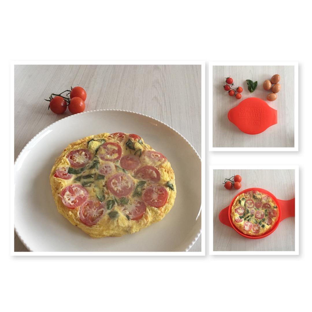 Omelette de tomate y albahaca