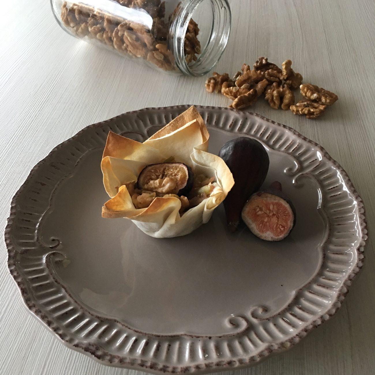 Tartaleta de manzana, higos y nuez