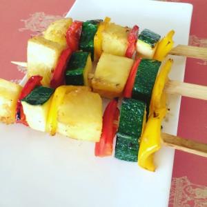 Brochetas de verduras con salsa de jengibre